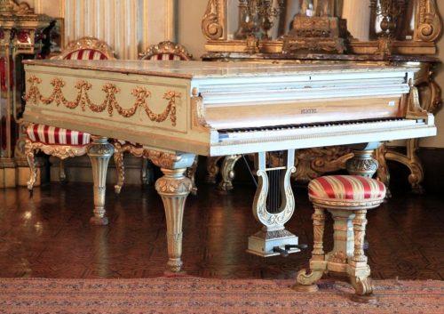 Dolmabahçe Sarayı Tarihi Muhteşem Osmanlı Piyanoları