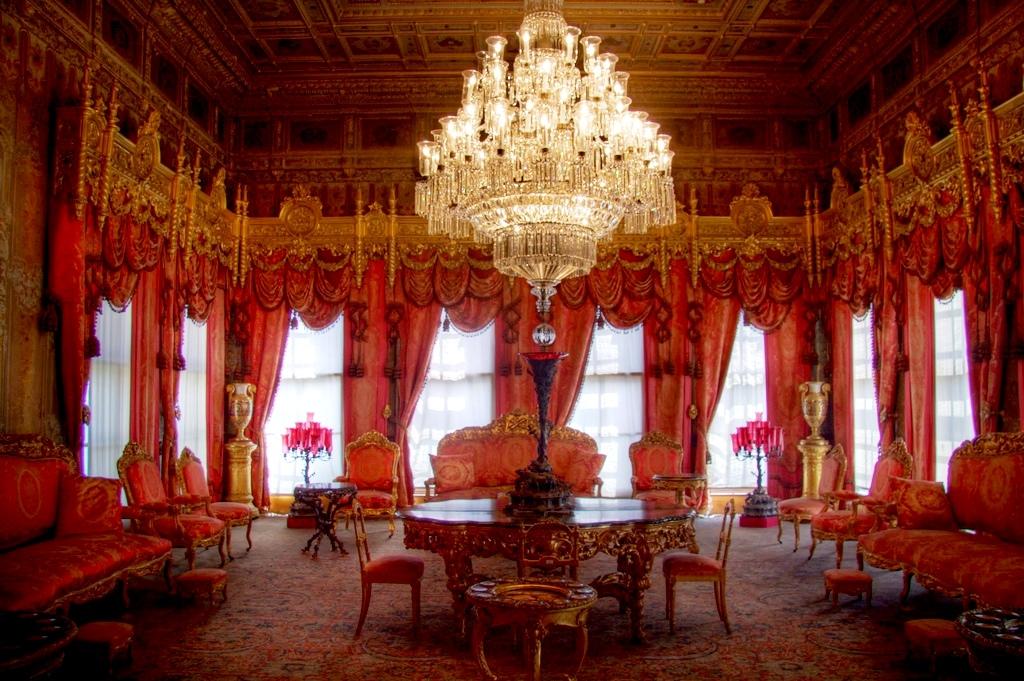 Dolmabahçe Sarayı Mabeyn I Hümayun Selamlık Kırmızı Oda