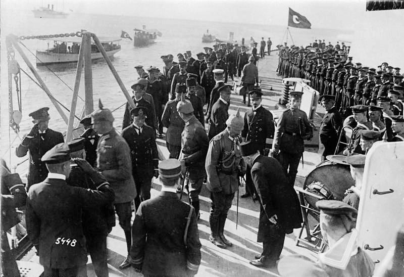 I. Dünya Savaşının Sonucunda Almanyann Yenilmesiyle 18 Kasım 1918de Tahtı Bırakmış Olan Eski Alman İmparatoru II. Wilhelm Trenle Sınırı Geçti. Konstantinopel Besuch Kaiser Wilhelm II