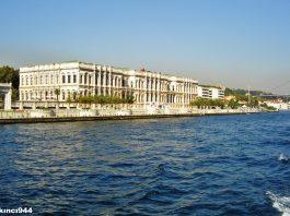 Osmanlı Feriye Sarayları Ve Padişah Abdülaziz. Feriye Saraylarının Sonuncusu Olan Bugünkü Kabataş Lisesinin Bir Odasında Intihar Etmişti