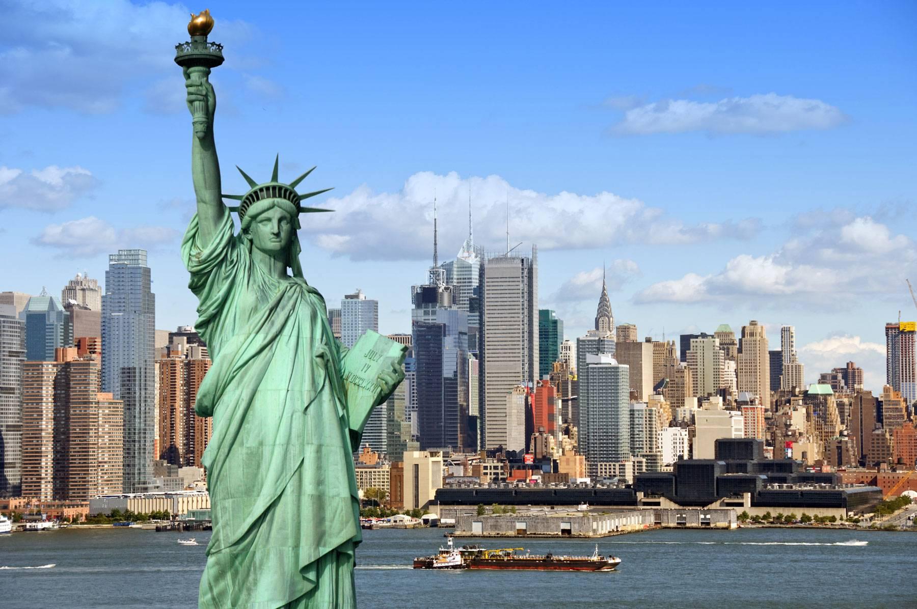 Zgürlük Anıtının Parasını Sultan Abdülaziz Vermişti.Özgürlük Anıtı Veya Özgürlük Heykeli ABDnin New York Inşa Edildiği 1886 Yılından Bu Yana Amerikanın Simgesi Olan Anıtsal Heykeli
