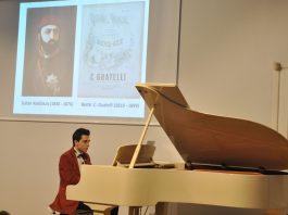 Piyano Tuşları Ile Farklı Ezgiler Turing Konseri Abdülaziz Bestesi Ve Osmanlı Marşlarını Çaldı. 8356