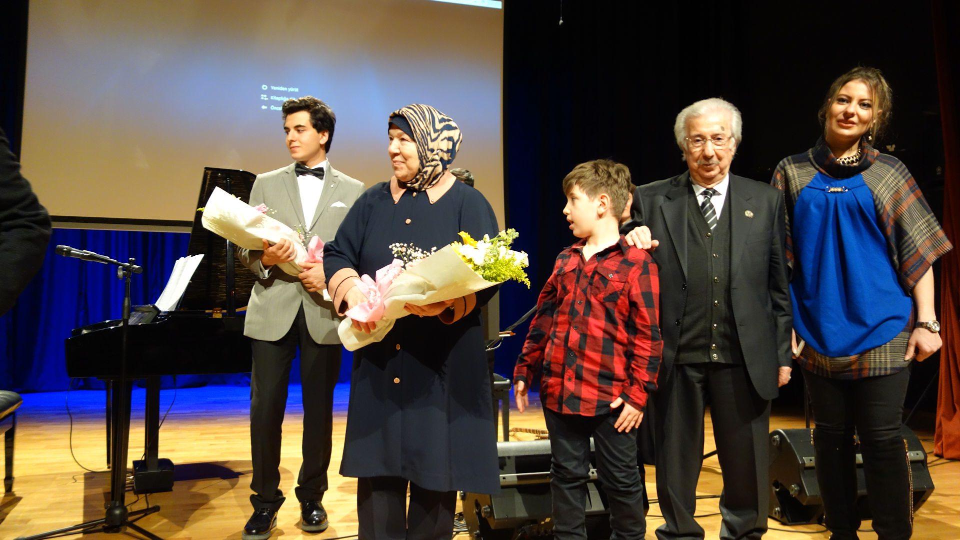 45. Sultan 2. Abdülhamid Dönemi Eserleri Ve Müzikleri Tanıtımı Konseri Eyüp Kültür Merkezi Piyano Yaylı Bendir Solist Tambur Piyano PiyanoTürk. Piyanist Güneş Yakartepe 23
